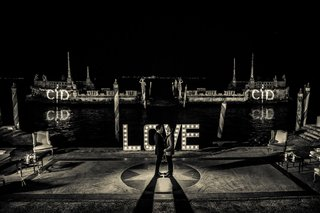black-and-white-photo-vizcaya-museum-and-gardens-wedding-love-marquee-light