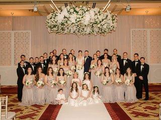 wedding-party-portrait-large-bridal-party-bridesmaids-groomsmen-flower-girls-ring-bearer