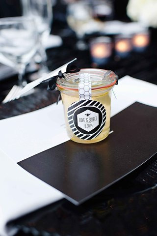 jar-of-honey-wedding-favor-and-escort-card-with-label