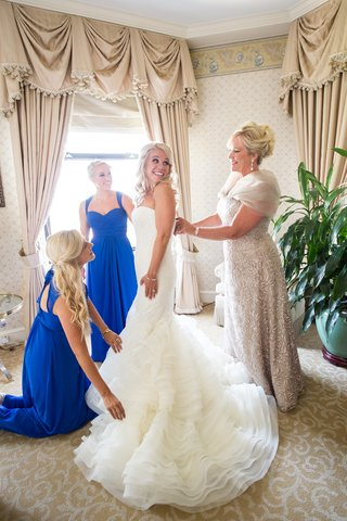 bride-in-vera-wang-mother-of-the-bride-in-liancarlo-bridesmaids-in-bill-levkoff