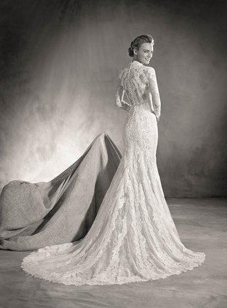 atelier-pronovias-2017-elva-wedding-dress-vintage-inspired-mermaid-long-sleeve-lace-high-back