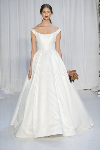 anne-barge-fall-2018-off-the-shoulder-ball-gown-with-geometrically-seamed-bodice