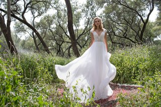 limor-rosen-2017-delphine-v-neck-bodice-with-silk-organza-flowing-skirt-birds-of-paradise-collection