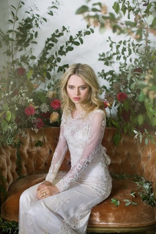 claire-pettibone-fall-winter-2016-long-sleeve-lace-wedding-dress-with-bow-in-back