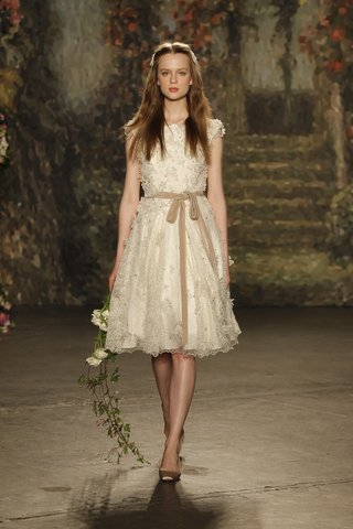 puck-a-line-wedding-dress-by-jenny-packham