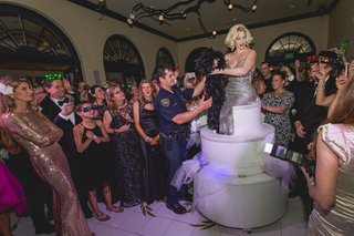 thomas-dagostino-wedding-and-birthday-party-surprise-cake-with-marilyn-monroe-performer