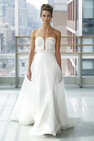 look-12-by-gracy-accad-spring-2019-3d-strapless-ball-gown-with-plunging-neckline-embroidered-bodice