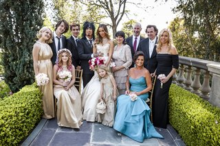 bridesmaids-and-groomsmen-with-family-members
