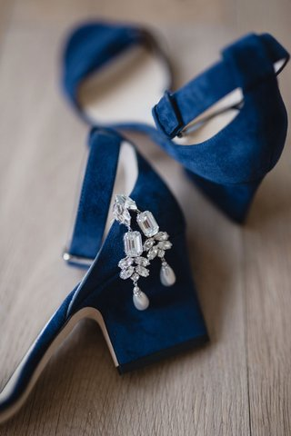 bright-royal-blue-jimmy-choo-platform-heel-pumps-ankle-straps-rhinestone-diamond-chandelier-earrings