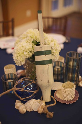 nautical-rehearsal-dinner-table-decorations