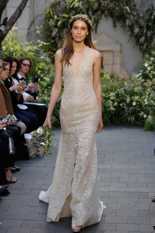 monique-lhuillier-spring-2017-paloma-lace-wedding-dress-deep-v-and-front-slit-sleeveless