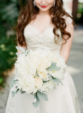 classic-white-bouquet-light-green-accents-foliage-roses-peonies-florida-wedding