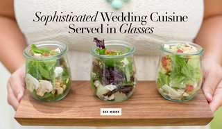 wedding-food-and-appetizers-served-in-glass-jars-or-glasses