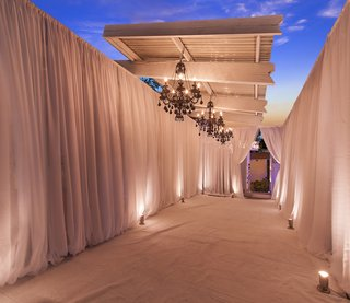 draped-entrance-in-white