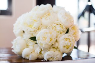 wedding-bouquet-white-peonies-with-green-leaves-peony-flower-bouquet