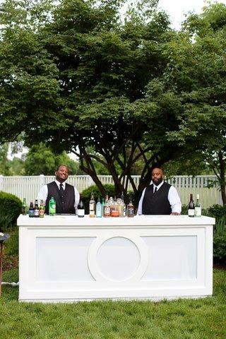 outdoor-cocktail-hour-elegant-bar-outdoor-bar