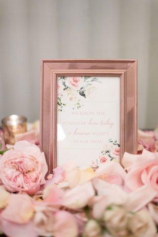 wedding-ceremony-table-for-deceased-loved-ones-late-loved-ones-pink-flower-rose-gold-frame-signage