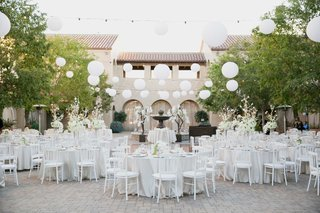 senna-plaza-white-linens-paper-lanterns-and-string-lights