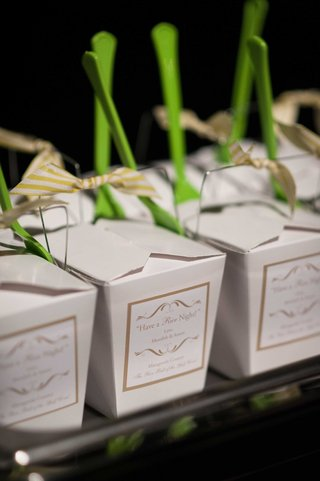 chinese-take-out-boxes-with-green-spoons-filled-with-rice-and-chicken-at-wedding-valet