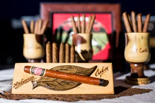 wedding-cigar-station-cuban-cigars-wedding-reception-ideas