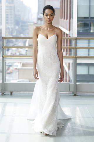 look-4-by-gracy-accad-spring-2019-white-lace-mermaid-gown-thin-cord-detailing