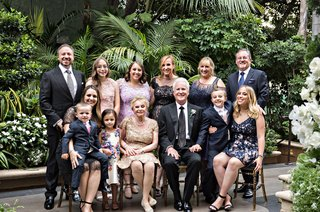wedding-anniversary-party-portrait-couple-with-kids-and-grandchildren-beverly-hills