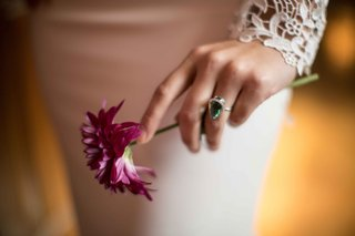 brides-silver-green-ring-wedding-styled-shoot-vintage-new-york-jewelry-accent-piece