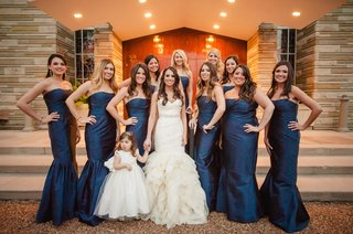 bridesmaids-wearing-strapless-mermaid-style-dresses