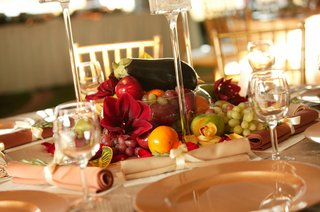 thanksgiving-inspired-cornucopia-wedding-centerpiece