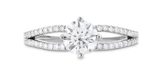 hearts-on-fire-brielle-split-shank-diamond-engagement-ring-with-round-center-stone