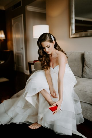 bride-with-long-brunette-hair-soft-curls-old-hollywood-look-nude-christian-louboutin-heels-red-soles