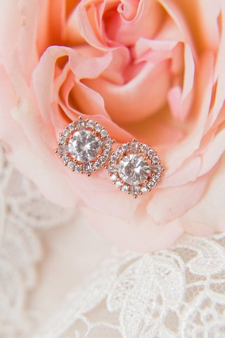 wedding-day-jewelry-ideas-round-diamond-earrings-with-halo-setting-rose-gold-style