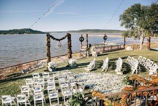 backyard-wedding-in-texas-on-lake