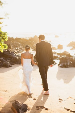 bride-in-j-mendel-wedding-dress-groom-in-ralph-lauren-purple-label-tuxedo-maui-wedding