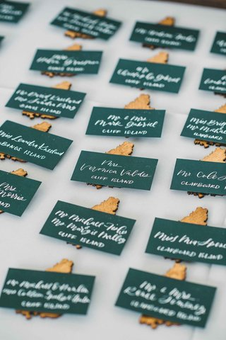 island-themed-escort-cards-green-calligraphy-gold-maine-islands-wedding-east-coast-creative-ideas