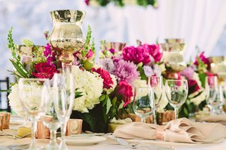 wedding-reception-centerpieces-ivory-flowers-pink-peonies-roses-and-candles-rose-gold-beige-linens
