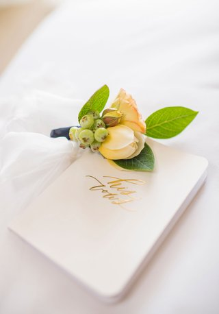 wedding-boutonniere-for-groom-yellow-peach-white-green-white-gold-foil-his-vows-booklet