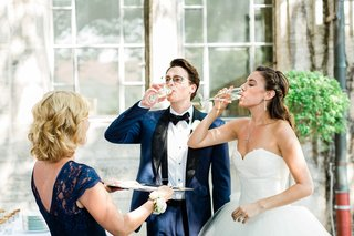 wedding-ceremony-cocktail-hour-germany-wedding-traditions-champagne-game-head-of-household