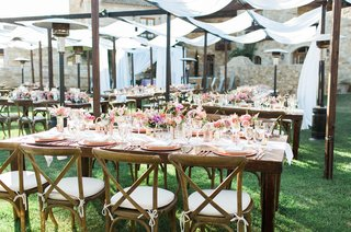 pitch-perfect-stars-anna-camp-skylar-astin-wedding-rustic-chic-wooden-tablescapes-reception-tented