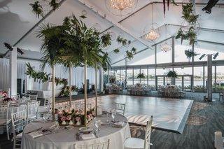 hotel-maya-wedding-reception-modern-wedding-with-tropical-touches