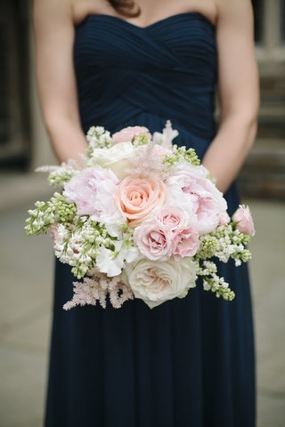 rose-and-peony-wedding-flowers-in-pink-and-white